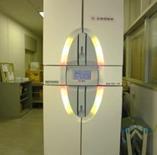 BDバクテックFX (血液培養自動機器)