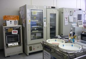 血液製剤保管用冷蔵庫・冷凍庫